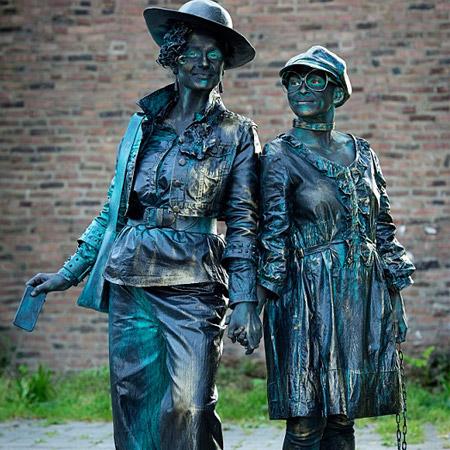Lutrek Statues - Juliette