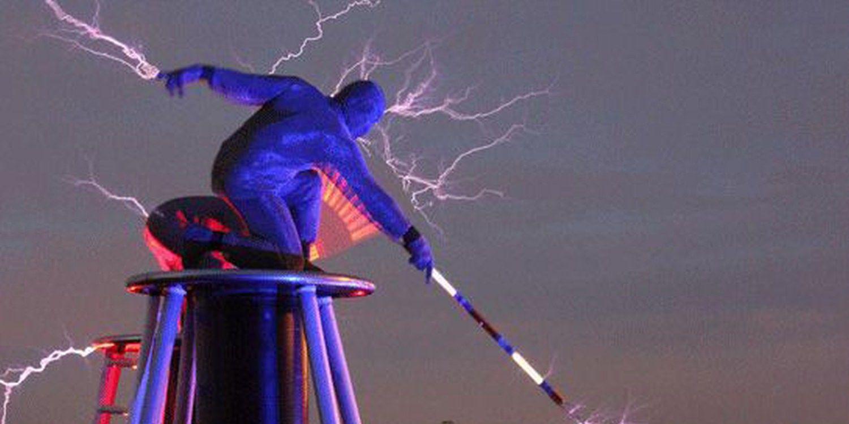 Scarlett Entertainment's Lightning Rider Creates A 'Buzz' At Amazing Spider-Man 2 Premiere!