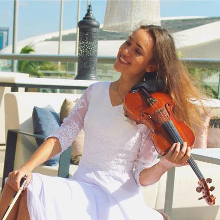 Olena Kolibaba - Classical/electric violinist