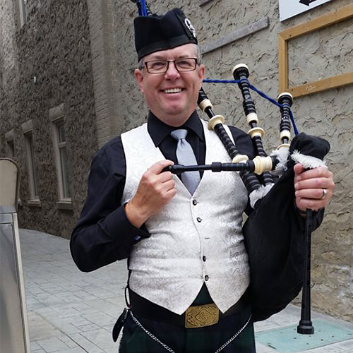 The Scottish Bagpiper