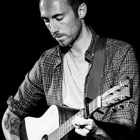 Martyn Crocker - Solo Acoustic Guitarist & Singer