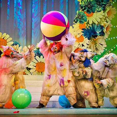 Mr Pejo's Wandering Dolls - Circus Mutabor