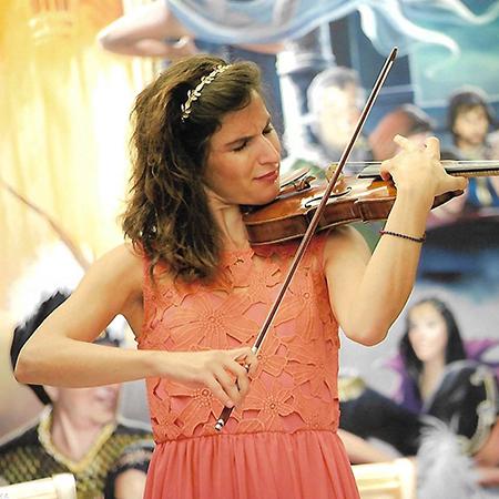 Joanna Gaitani - Violinist