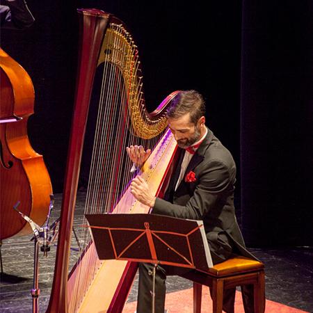 Alberto Masclans - Harpist