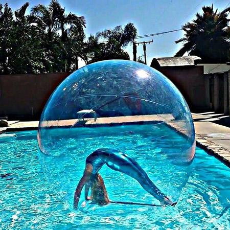 Veronica Camaioni - Floating Bubble