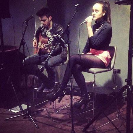 Oliviya Nicole - Solo Singer