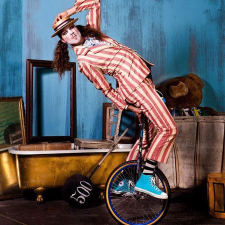 SuperTallPaul - Circus Entertainer