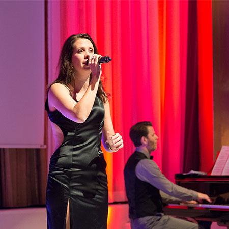 Nadine Stockmann - Singer