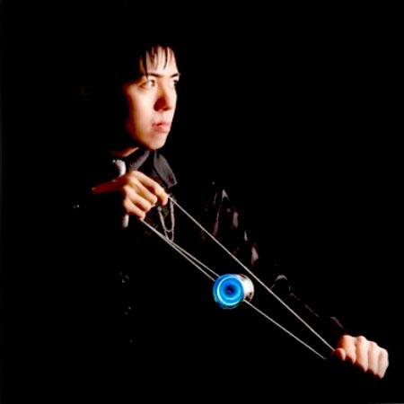 BLACK - Champion yo-yo performer