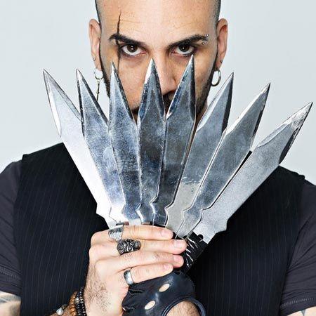 Tyrone Laner - Knife Thrower