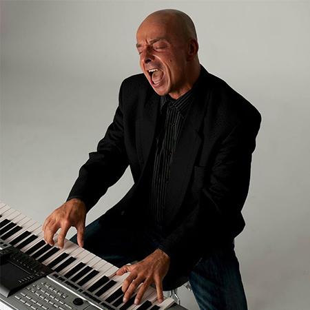 Oliver Wenath - Pianist and Singer