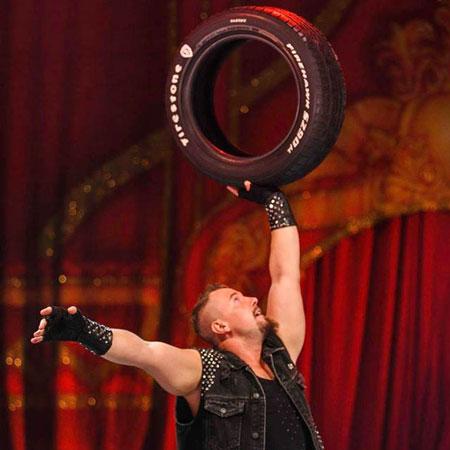 Andrey Vovk - Tyre Juggler