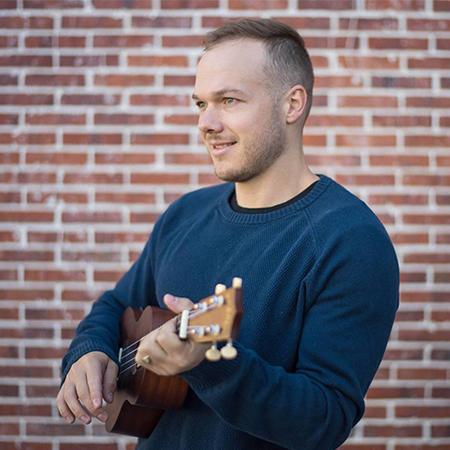 Aston Wylie - Acoustic Guitar & Singer