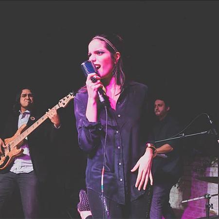 Gabriela Brandao - Female Singer with Band
