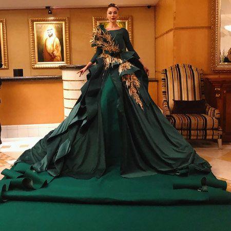 Custom Creations - Green Carpet Lady