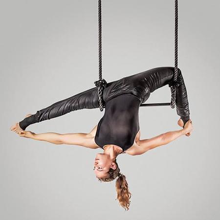 Rebekka Spiegel - Aerial acrobatics