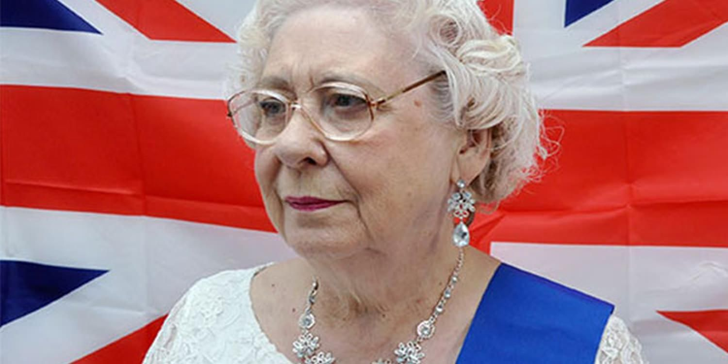 Queen Look-A-Like Royally Welcomes 60th Anniversary Guests