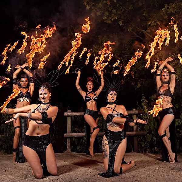 Cie Hanabi Circus - Fire Performers