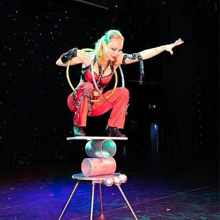 Challenge Circus Show - Rolla Bolla Act
